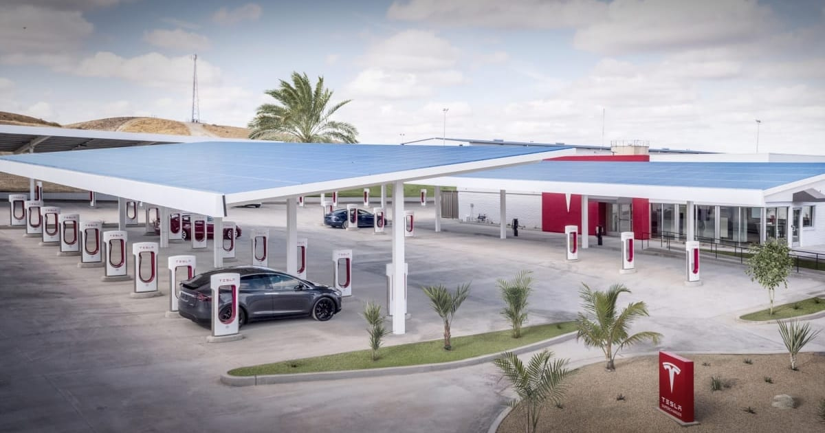 Musk: Powerpacks are coming to northern California Superchargers