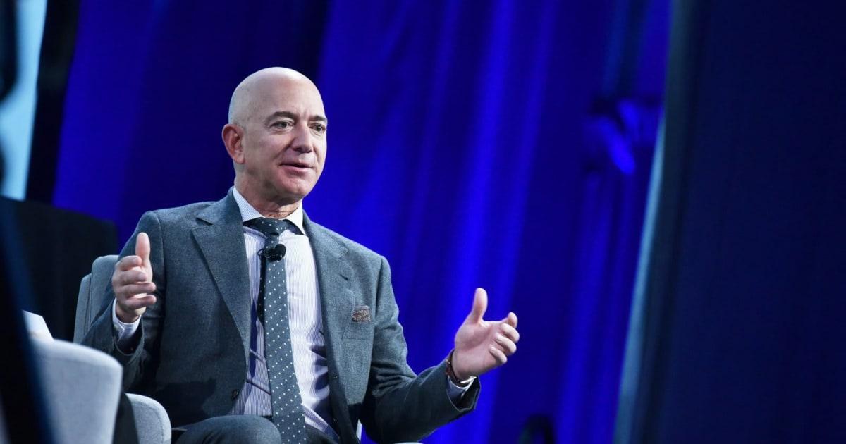 Guardian: Saudi prince's account used to hack Jeff Bezos via WhatsApp 1