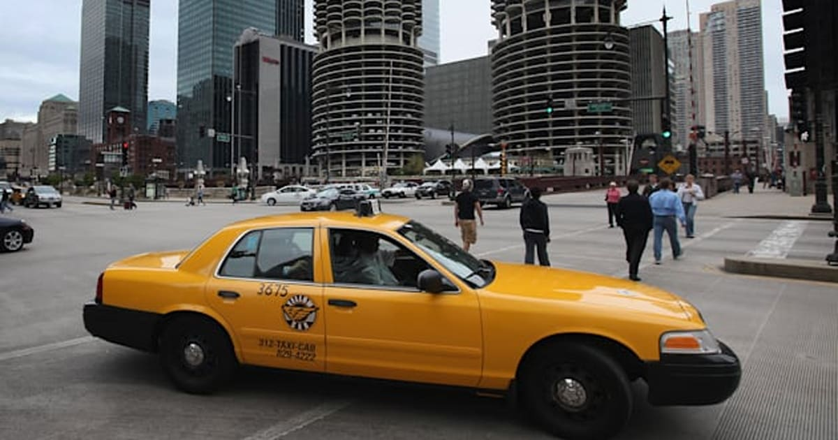tipping taxi drivers in chicago