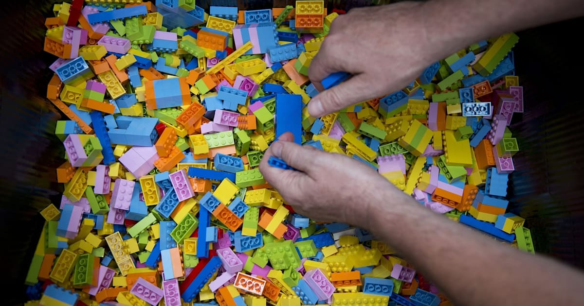 Sorting Lego Sucks, so Here's an AI that Does it for You