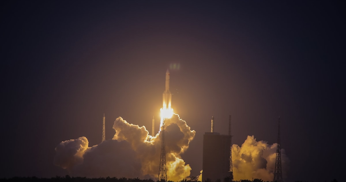 China's heavy-duty rocket fails in mid-flight