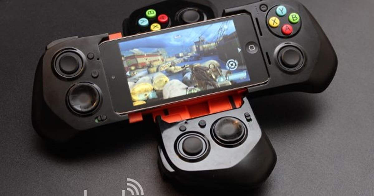 A Better Yet More Cumbersome Ios 7 Gamepad Hands On With The Moga Ace Power