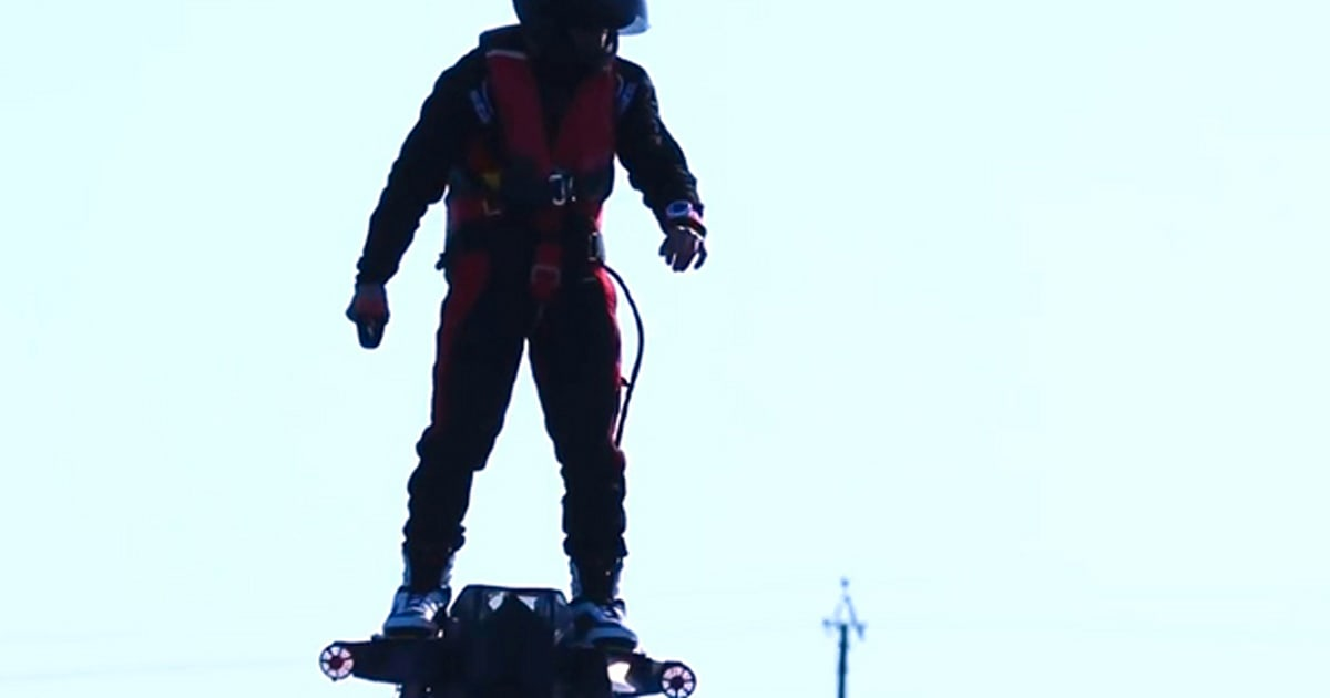 flyboard air hoverboard auf speed macht 150 km h video. Black Bedroom Furniture Sets. Home Design Ideas