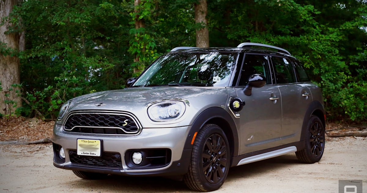 Mini's New Plug-in Hybrid Packs Thrills into a Compact Cruiser