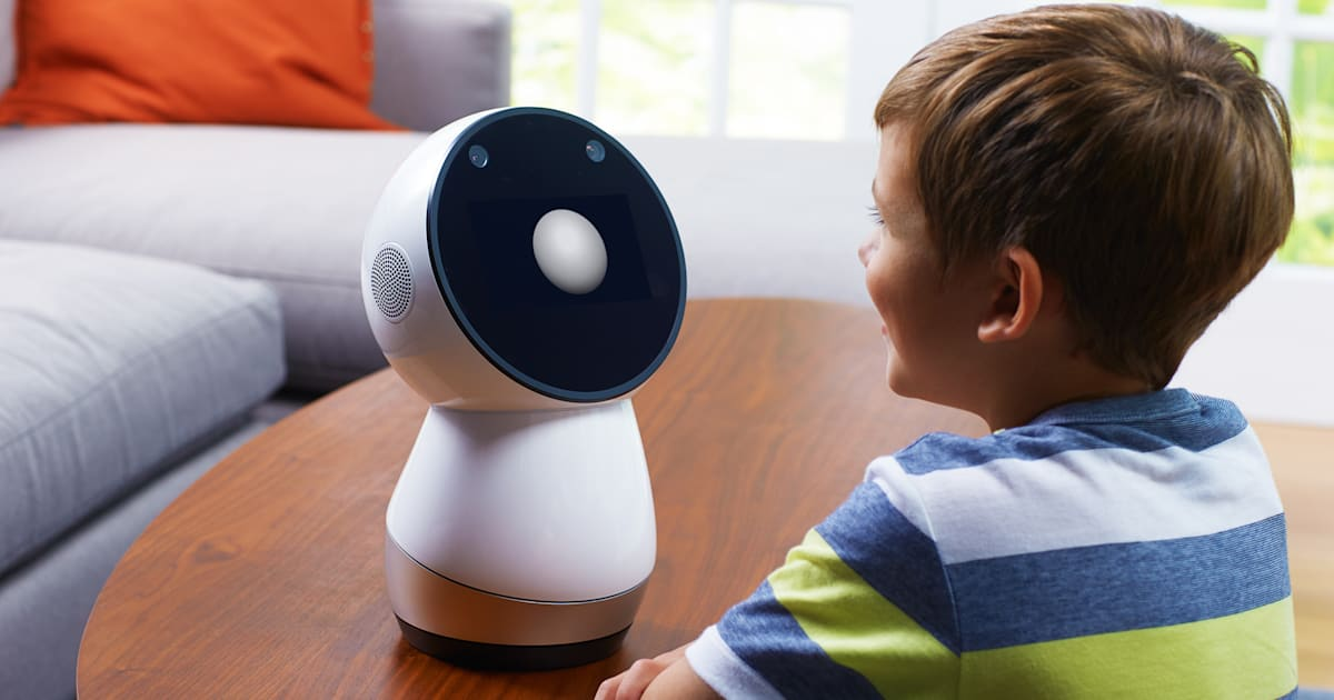 'Social Robot' Jibo Reaches Indiegogo Backers Three Years Later