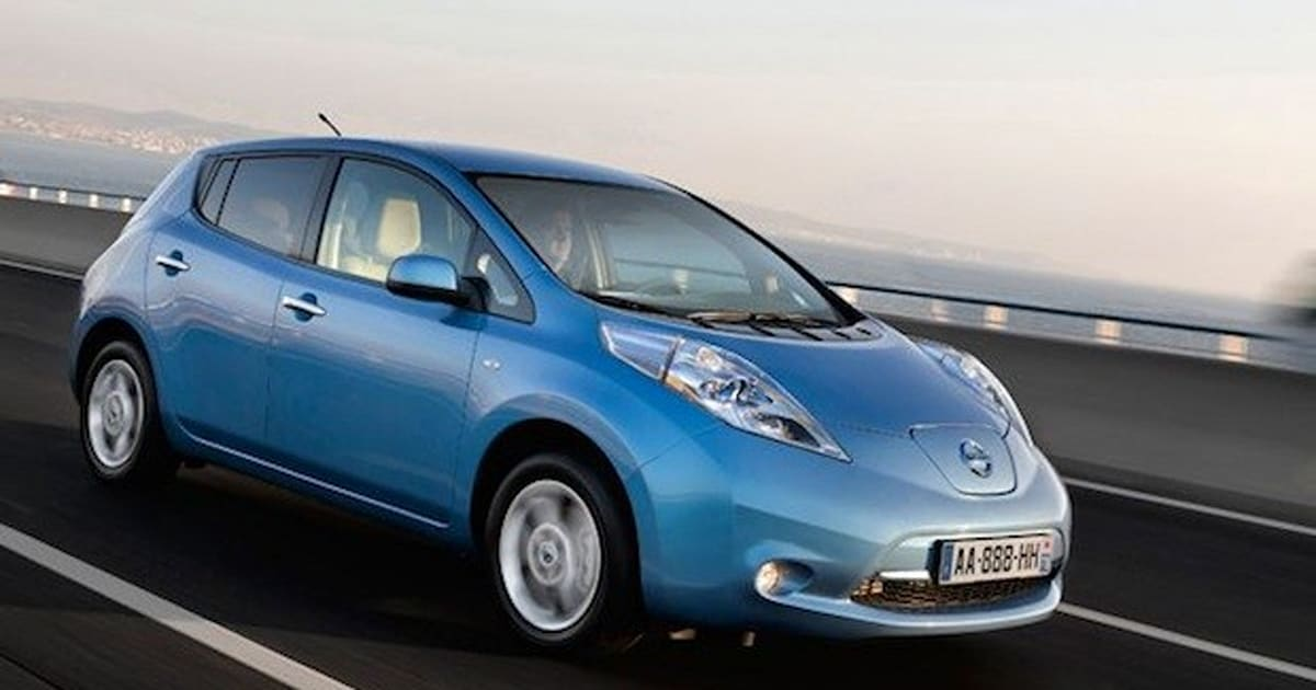 nissan drops leaf price by 2 500 pounds in the uk. Black Bedroom Furniture Sets. Home Design Ideas
