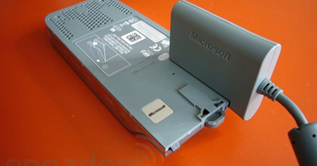 Xbox 360 Hard Drive Transfer Kit hands-on | Engadget