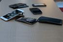 「曲がるiPhone 6 Plus」を検証。サムスンGALAXY Note 3やLG G3、HTC Oneと荷重テスト動画