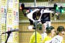 動画:空中バトル、DJI Phantom3 対 Parrot Bebop Drone。選手宣誓するInspire 1、ドローン応援合戦付き
