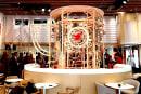動画:原宿に巨大な木製ピタゴラ楽器が出現、ネスレのBluetoothコーヒーマシンを使ったXmasイベント12月2日開始