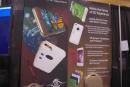 iPhoneが3Dカメラ&ビューアーに変身。撮影や充電、データの保存もできるスマホカバー「Neth 3D」:CES 2016