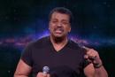 地球平面説ラッパーに反撃。ニール・ドグラース・タイソン、TV番組でB.o.Bに「見ろ、これが重力ってヤツだ!」
