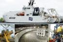 新型ケーブル船「KDDIケーブルインフィニティ」出航! 海底ケーブル敷設任務前の沖縄で潜入取材