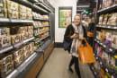 Amazon Goのレジなし精算、傘下のスーパーにも拡大?大型店向けシステムをテスト中