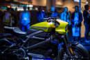 哈雷的 LiveWire 电动摩托可能比预想中跑得更远