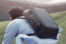 iPhone Xを3時間で充電できる超高性能ソーラーパネル付きバッグ(6/15まで)