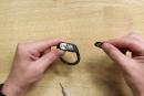 iFixit、Beatsの完全無線イヤホンを分解、電池容量はAirPodsの倍以上