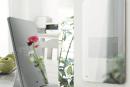 「鏡よ鏡……」の時代も近い? Clova対応「スマートミラー」を日栄インテックが企業向けに発売