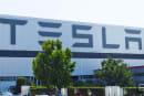 Tesla 将在 9 月展示自家的电动货柜大卡车