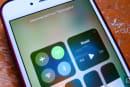 其实 iOS 11 的控制中心并不能真正关闭蓝牙与 Wi-Fi