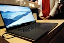 PC makers' tech support asks customers to avoid Windows 10