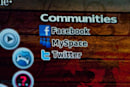 T-Mobile brings Facebook and paid Twitter apps to older Sidekicks