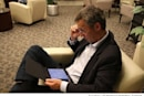 Norwegian Prime Minister gets his hands on an iPad