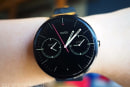 Android Wear will reportedly let you navigate with a flick of the wrist
