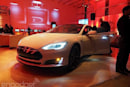 Tesla thinks turn signals will solve liability in semi-autonomous cars
