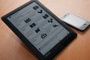 ASUS DR-950 touchscreen e-reader spotted in the 'wilds' of ASUS UK's office