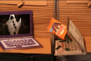 Microsoft's adorable new Windows 7 ad touts Blu-ray, shows Macs and PCs really just want to be friends