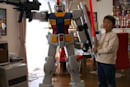 Human-sized Gundam assembled by Maru family