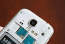 Samsung CEO plans to sell the 'world's first' LTE-Advanced phone, a new Galaxy S 4 variant