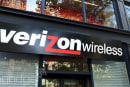 Verizon completes buyout of Vodafone's stake in its cellphone business