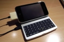 "Jailbroken iPhone 3G gets external keyboard, says ""Hello"""
