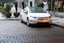 GE buying 25,000 electric vehicles by 2015, nearly half to be Chevy Volts