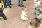 Chinese baby bum shuffling to his dad is the cutest thing