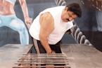 'Strongest man in India' breaks 17 iron rods in 15 seconds