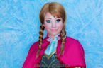 Norwegian makeup artist turns her sister into Anna from 'Frozen' in time for the film's release