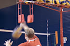 Device helps you practice spiking volleyballs