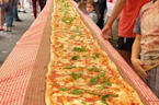 Australian chefs make massive 850 lb. Margherita pizza