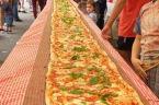Australian chefs make massive 850 lb. Margherita pizza