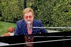 Elton John bringt eigene Barbie-Puppe heraus!