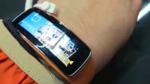 サムスン Gear Fit 使用感:スマートなスマートウォッチ、高級感ある活動量計。ただし、Galaxyに限る