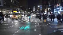 レーザーで即席自転車レーンを投影、NY市の自転車シェアCiti Bikeがレーザー前照灯を導入へ