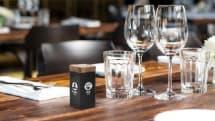 注文はブロックを倒すだけ、飲食店向けの斬新なIoTコールベル「noodoe」が発売