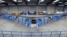Facebook、太陽光で飛び続ける全翼ドローンAquila発表。成層圏からレーザー光線インターネット中継