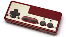 デイテルジャパンがFCコントローラ風USBバッテリ発売。ゲーム機やスマホを「1UP充電」