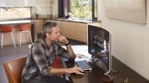 包まれてる感がスゴイ 34型曲面ディスプレイの一体型 PC「ENVY 34 Curved All-in-One」を米HPが発表