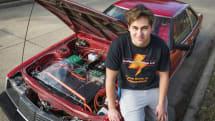 18歳の少年が1980年型トヨタ「セリカ」を電気自動車に改造。試行52回の末、航続距離は200km以上に